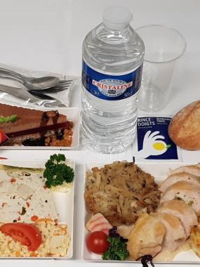 Le plateau repas avec plat à réchauffer
